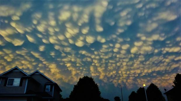 Mammatus clouds over Lincoln, Nebraska